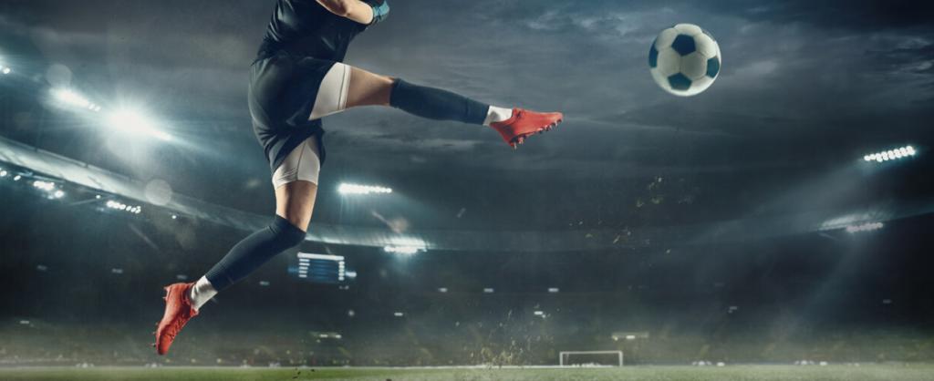 Att betta på fotboll är enkelt att lära sig, men du måste vara ödmjuk och bygga upp dina färdigheter om du vill bli riktigt bra på det.